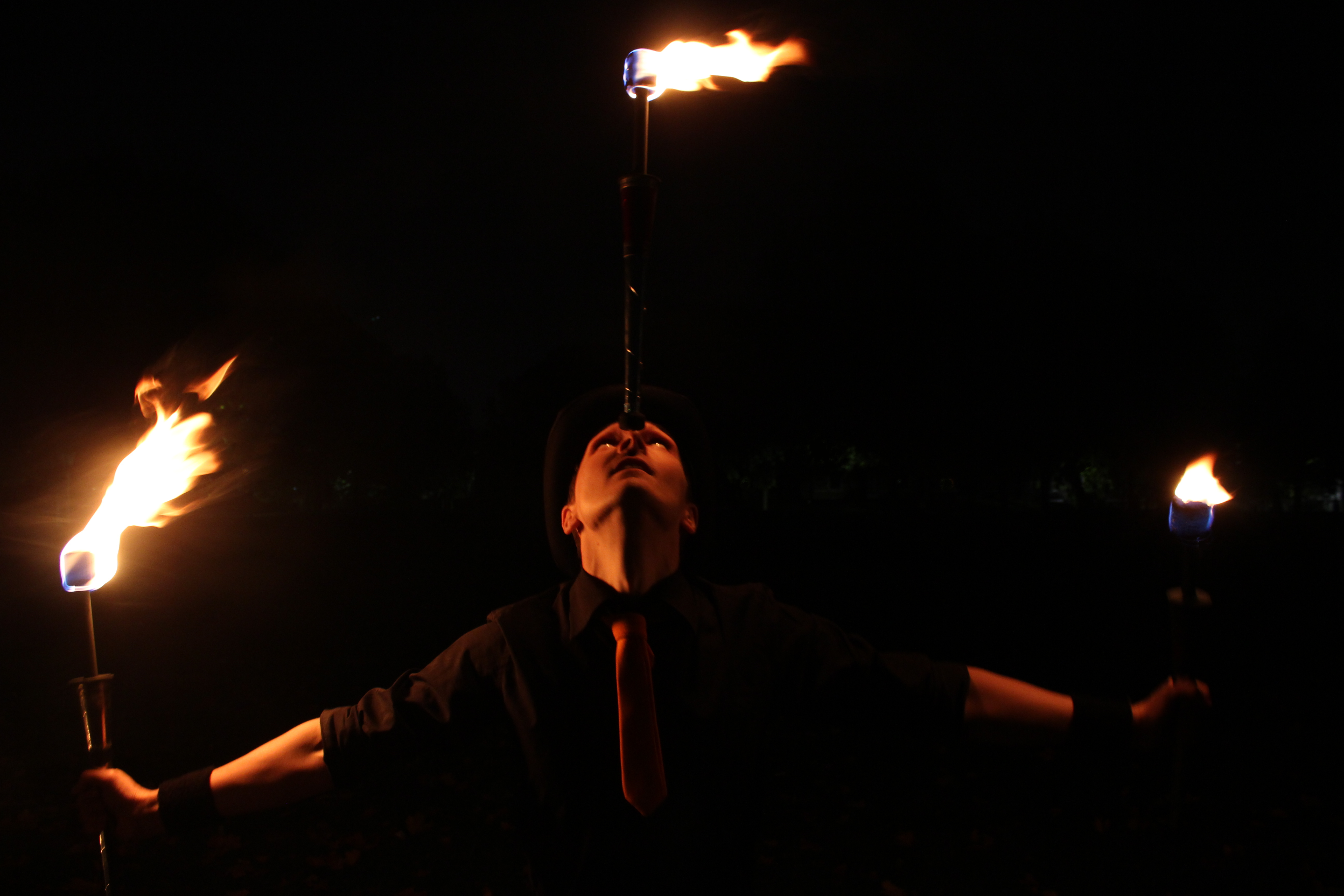 Fire juggling, Fire performers, Ben and Fred, jugglingben